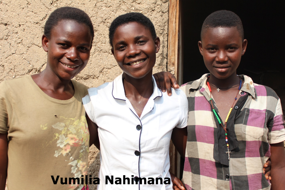 Vumilia Nahimana picture with family